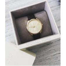 Michael Kors hodinky s monogramom
