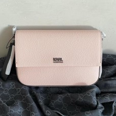 Karl Lagerfeld messenger pudrový