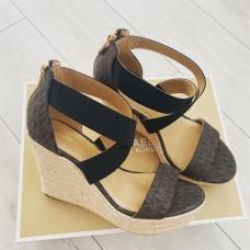 Michael Kors sandálky hnedé Prue